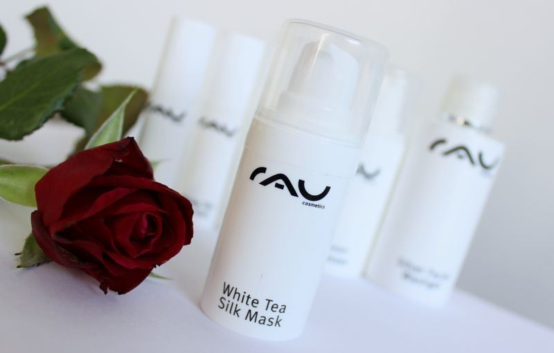 RAU cosmetics white tea silk mask