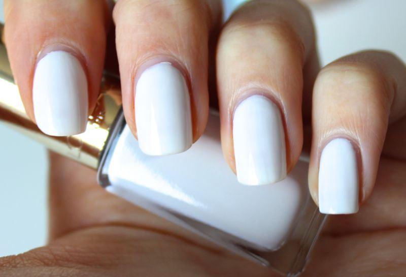 L'Oréal Les Blancs Chantilly Lace swatch