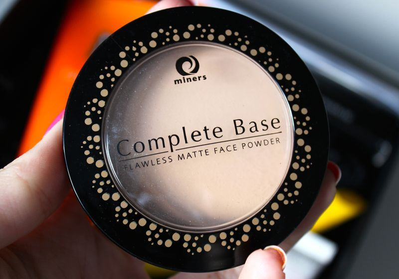 Beautybox April 2014 Miners Complete Base Flawless Matte Face Powder