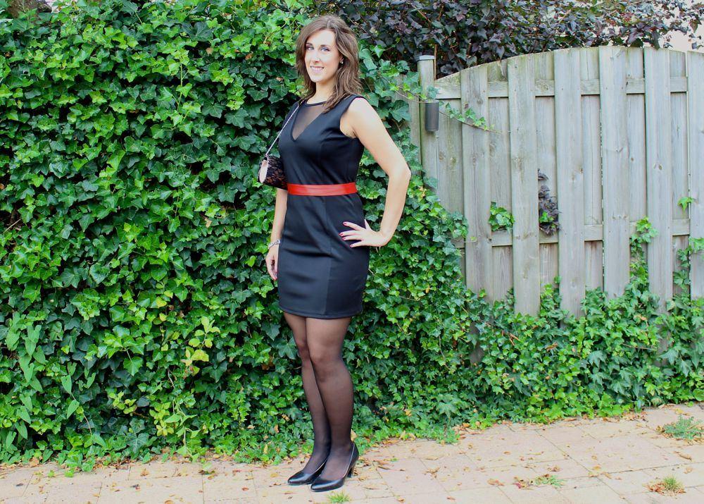 Zwarte Jurk Naar Bruiloft.Wedding Outfit A Touch Of Red Liefs Laura