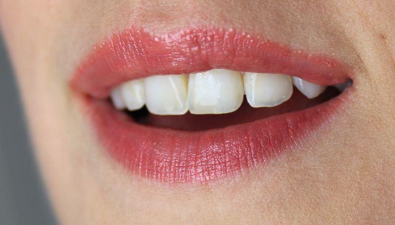 HEMA Easy Shine Lip Balm Swatch
