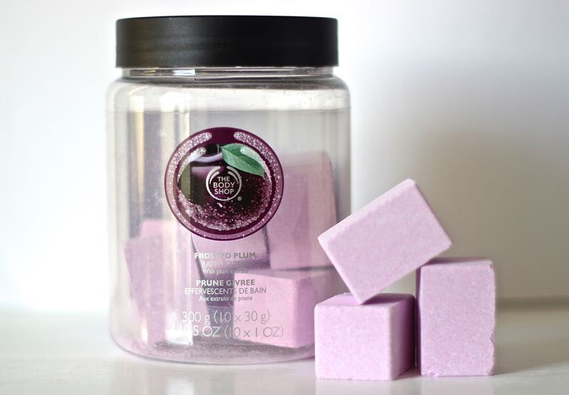 The Body Shop Frosted Plum bath frizzers