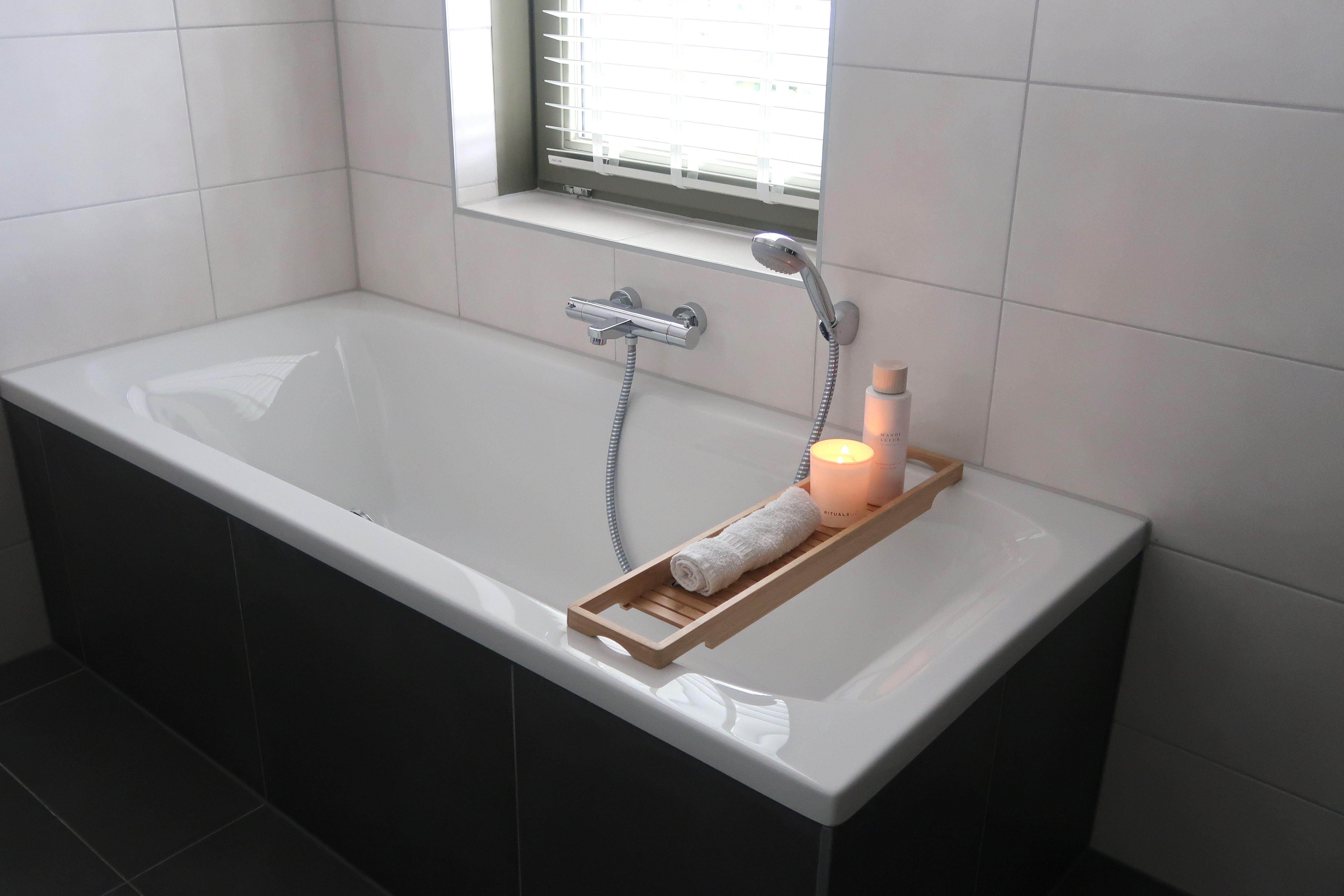 Onze nieuwe badkamer bad